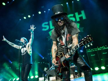 Slash in Concert